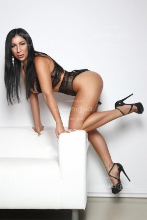 Jolina nuru massage in De Pere